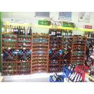 Beaux casiers à vin, le système modulaire. Très pratique pour votre boutique.