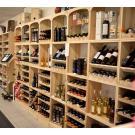 Casiers à bouteilles en bois pour votre boutique.