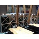 Parois à vins Kabinett (modèle avec la croix) donnent à ce pub un intérieur spécial.